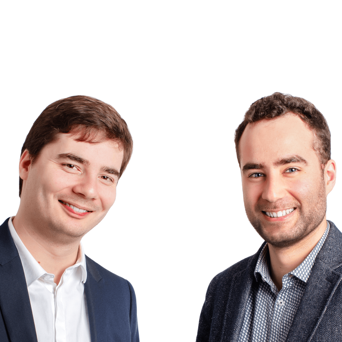 Photo portrait de Victor et Adrien, votre duo d'experts en communication.